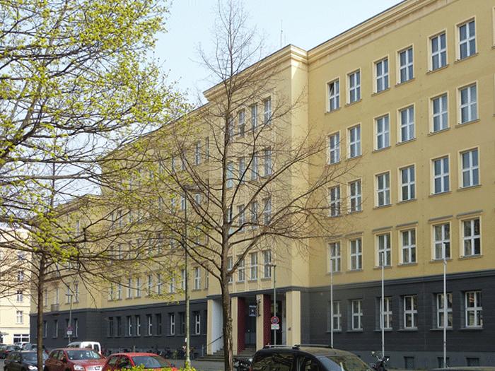 Polizei und Feuerwehr Friedrichshain
